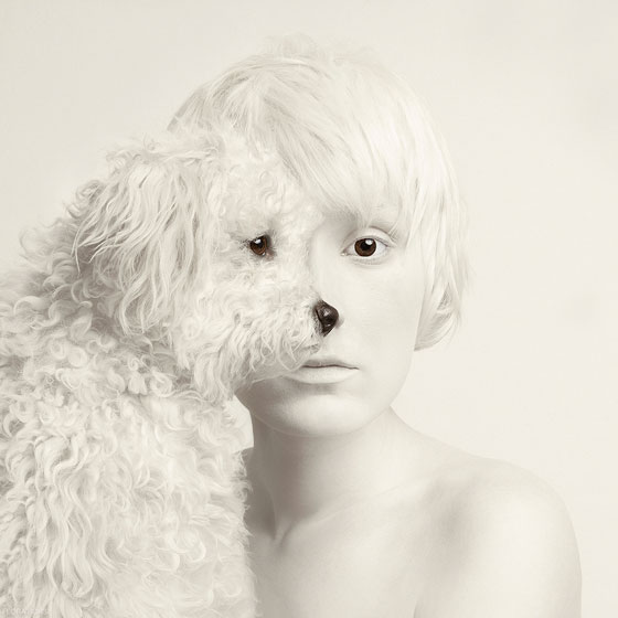Flora Borsi Chien Animaleyed