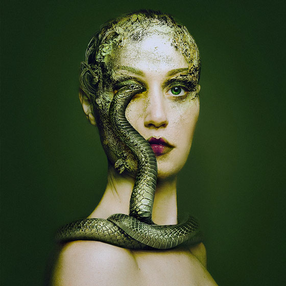 Flora Borsi serpent Animaleyed