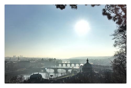 pont charles prague vue Vltava